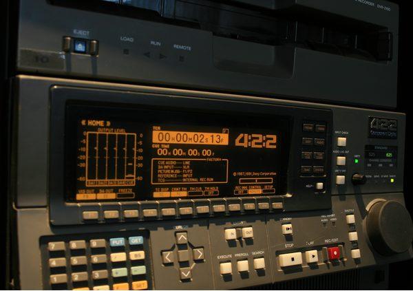 [object object] - sony d1 d2 d3 - beeld professionals bodem nav 2 jvc/panasonic digital-s - sony d1 d2 d3 - JVC/Panasonic Digital-S