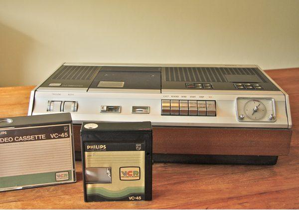 - philips vcr recorder - Beeld consumenten nav philips video 2000 - philips vcr recorder - Philips Video 2000