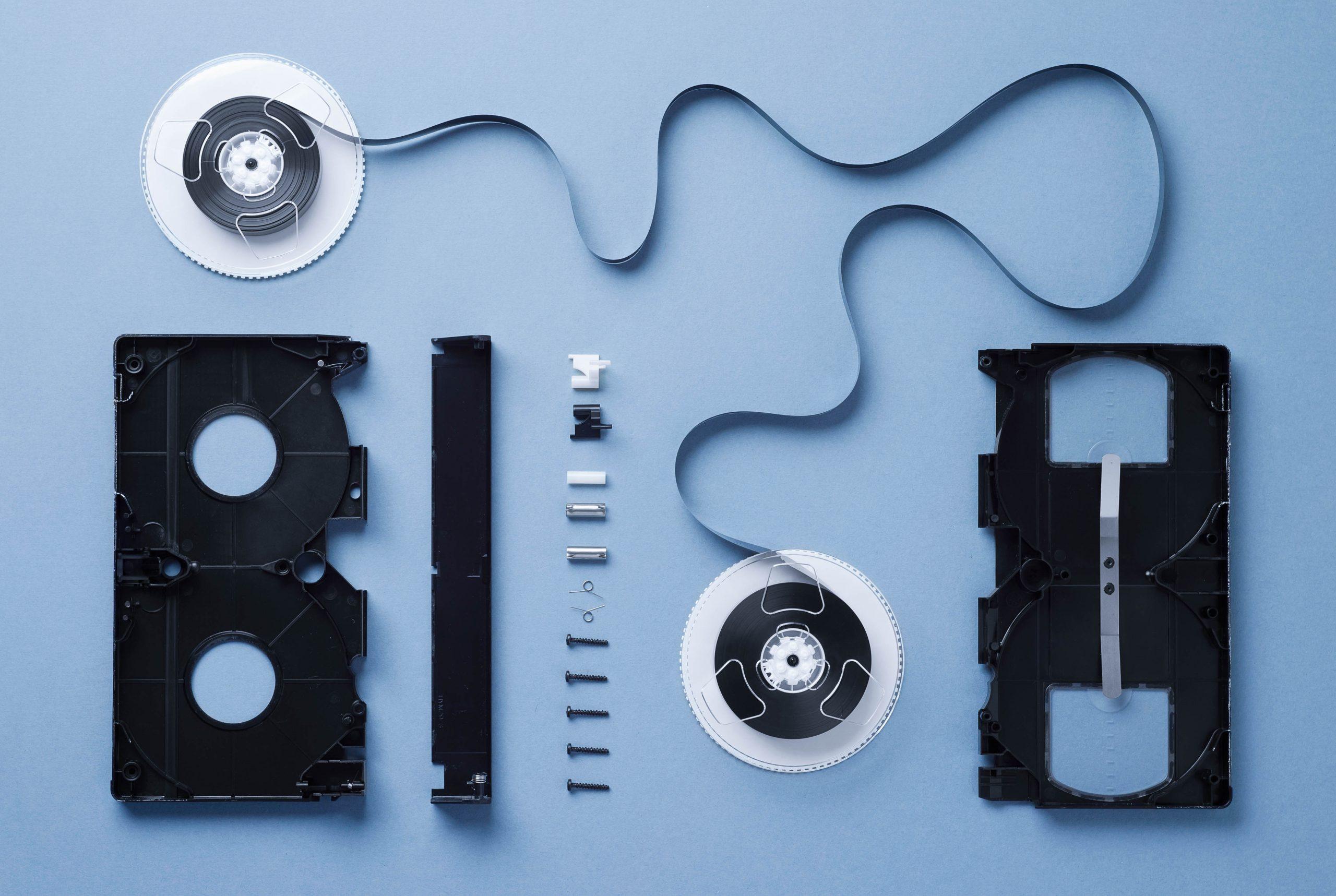 inn-archive - vhs cassette disassembled BCVM7XR scaled - inn-Archive – digitaliseren van audio en video